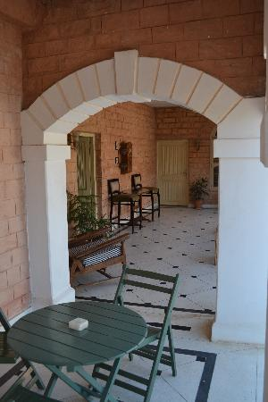 Hotel Inn Season: Balcony outside our room