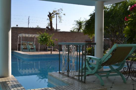 Hotel Inn Season: The pool