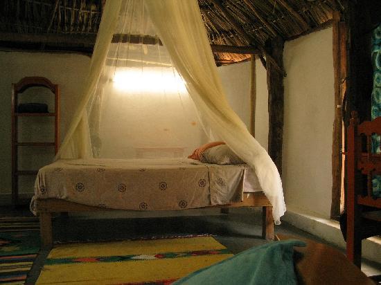Aerolito Tulum: Casa Alux has a double bed and a sofa