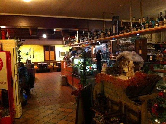 Club degli Spaghetti Paese : L' ingresso principale dove si accede a tutte le varie sale