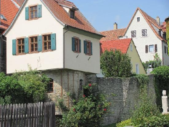 Stadtmauer (fortifications): 8