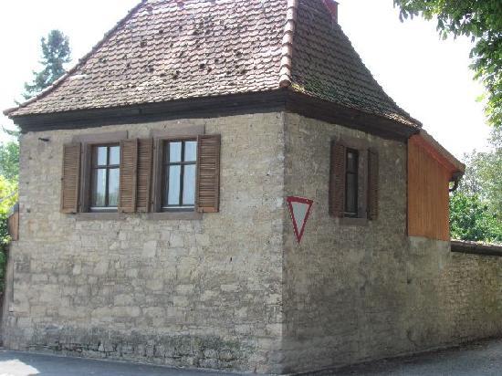 Stadtmauer (fortifications): 10