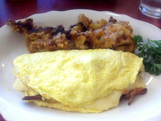 Lucile's Creole Cafe : 3 cheese omelet with potatoes