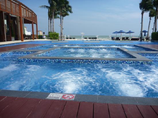 Swimming pool 4
