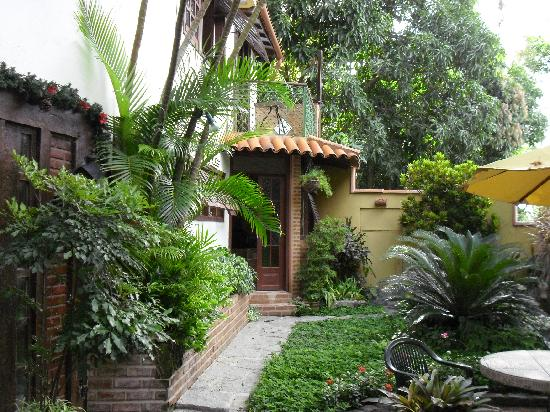 O Veleiro Bed and Breakfast: Outside our room