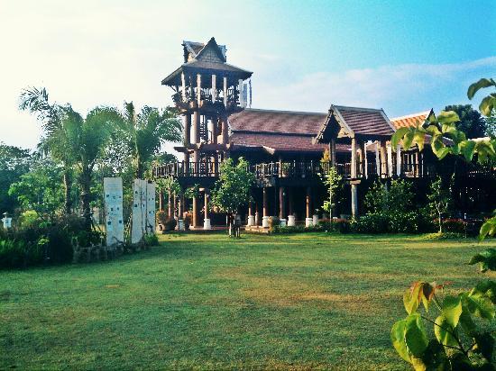 Siripanna Villa Resort & Spa: On the grounds