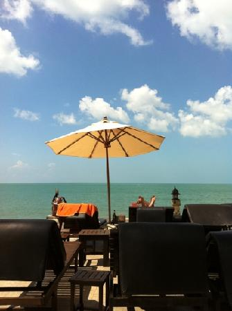 Kanok Buri Resort: poolside