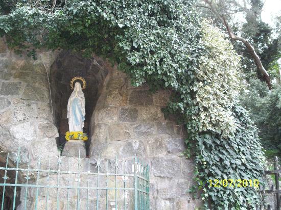 Monte Calvario : Gruta de Lourdes.