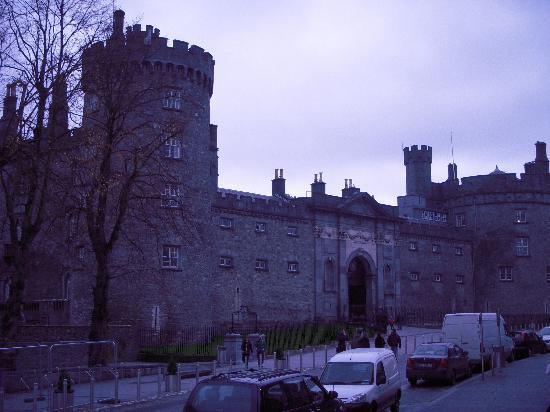 Kilkenny Hibernian Hotel: Kilkenny Castle