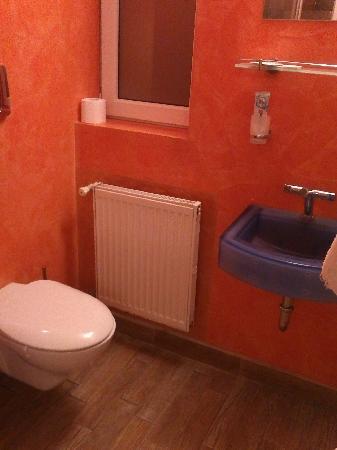 Do-Stil Hotel: bathroom 1