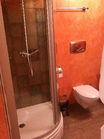 Do-Stil Hotel: bathroom 2