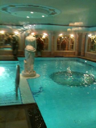 Falkensteiner Hotel & Spa Falkensteinerhof: piscina interna acqua freddina