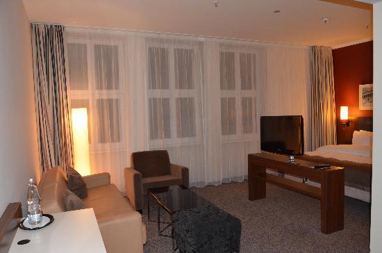 Camera 323 - zona soggiorno - Foto di Leonardo Royal Hotel Berlin ...