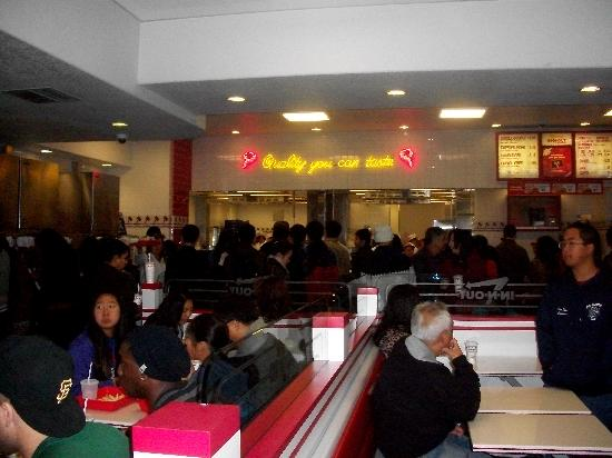 In-N-Out Burger: Waiting Area