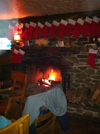Jay Village Inn : Fireplace