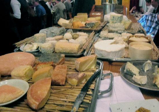 Le Moissonnier: Cheese platter