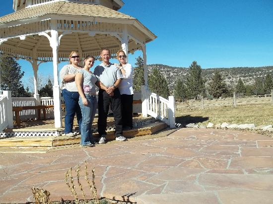 Inn Der Bach Resort: Gazebo near chalet (used for weddings...and Christmas Pictures!)