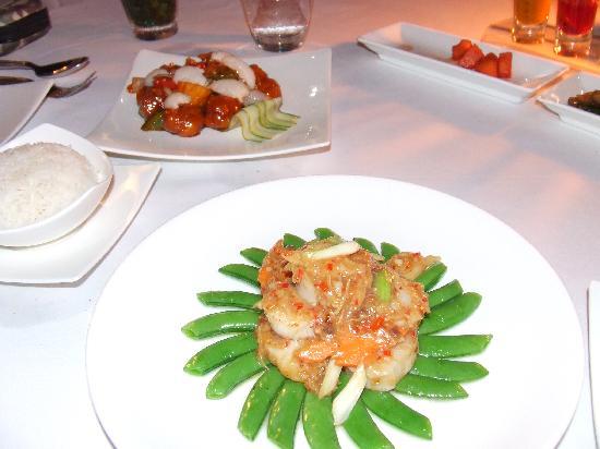 Breeze Restaurant: scallop and snow peas