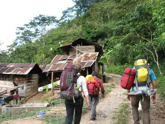 Incas del Peru: Walking