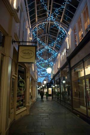 Royal Arcade: Inside the Arcade