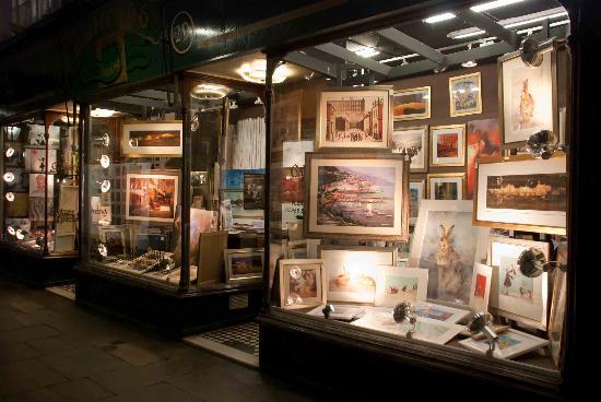 Royal Arcade: Jam-packed shop window