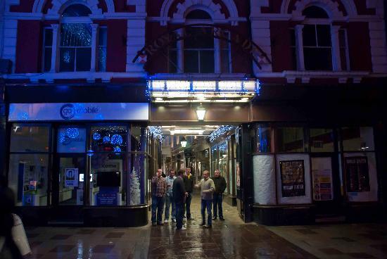 The entrance to Royal Arcade at night