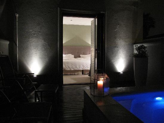 Sugar Hotel & Spa: Patio with jacuzzi