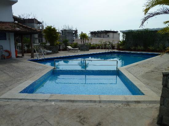 Hotel Abad Plaza: rooftop pool