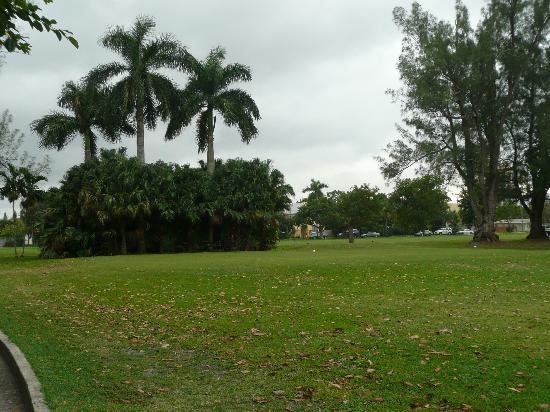 هوليوود بيتش آند جولف ريزورت: Beautiful grounds!