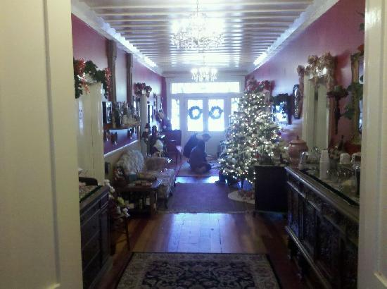 The Steamboat Inn: Looking from the entrance of the Dining Room to the front doors