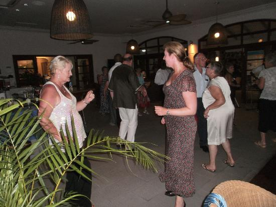 Bel Jou Hotel: Dancing with lovely New Pal