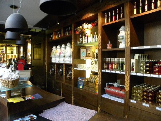 Nordhauser Traditionsbrennerei: Hofladen der Nordhäuser Traditionsbrennerei