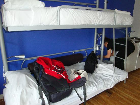 NosDa Hostel & Bar: our bunks.