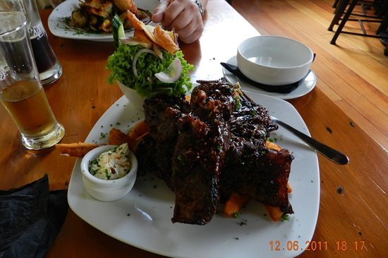 The Speight's Ale House: More than enough pig hunter ribs