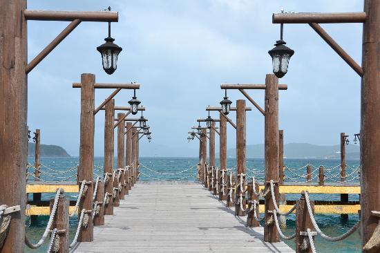 MerPerle Hon Tam Resort: Entry dock