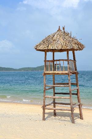 MerPerle Hon Tam Resort: Beach