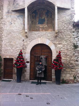 San Crispino Historical Mansion: ingresso della residenza