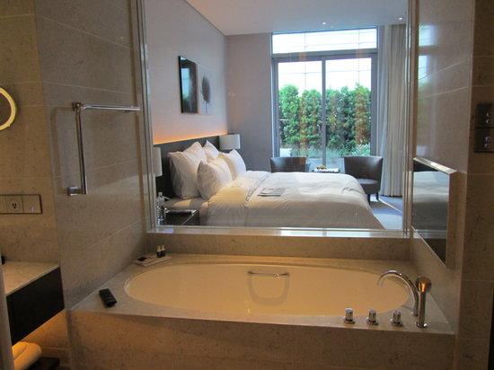 Le Meridien Taipei: バスルームから撮しました