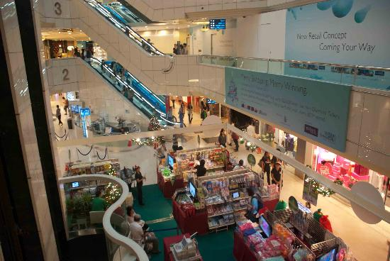 Wisma Atria Shopping Centre: Stalls on the ground floor