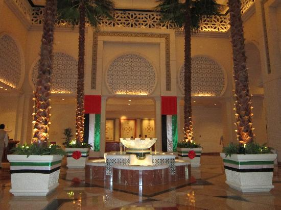 The Palace at One&Only Royal Mirage Dubai: The reception area suitable decorated to celebrate the 40th birthday of Dubai