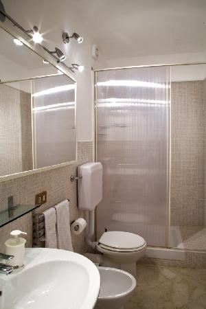 Incipit Bed & Breakfast : bagno camera uno