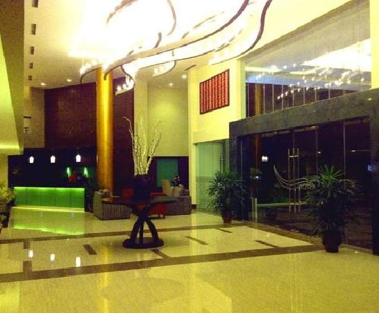 Aston Tanjung Pinang Hotel and Conference Center: Lobby