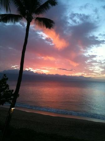 Kaanapali Ocean Inn: sunset on Lahaina, Ocean Inn, taken from the room