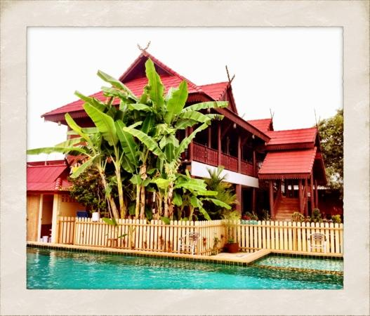 Ben Guesthouse: view from the pool area