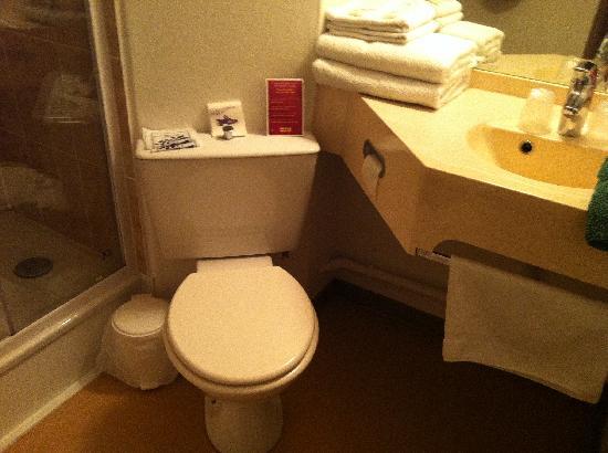 Hotel balladins Reims La Neuvillette: Salle de bain