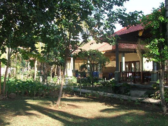 Bali Bhuana Beach Cottages: villa,s