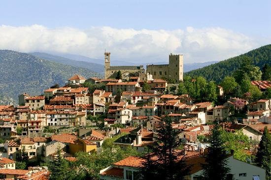 Vernet les bains le vieux village l 39 automne photo de - Office de tourisme de vernet les bains ...