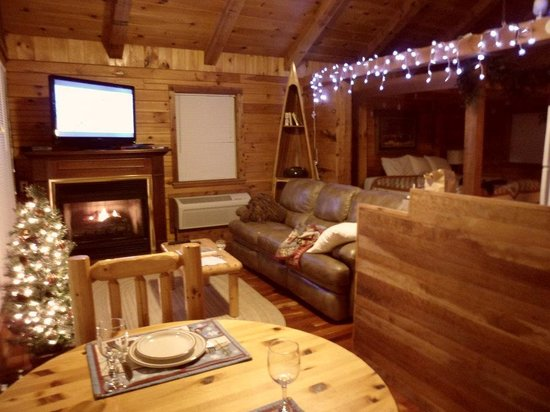 Buffalo Outdoor Center: Even decorated for the holidays!