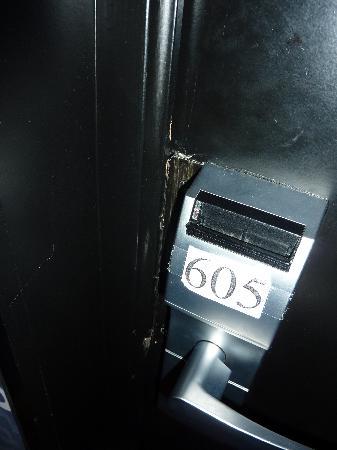 Hotel Doisy: Entry Lock