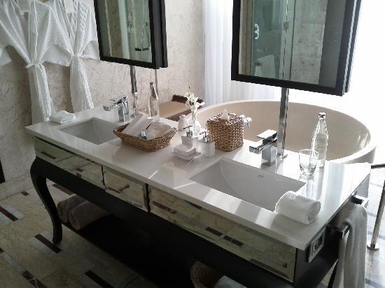 Conrad Koh Samui Villa 219 Bathroom Sink - LoayaltyLobby.com